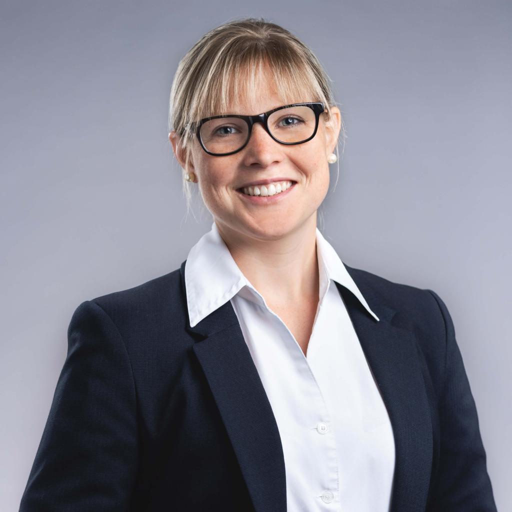 Renate Müller, Rechtsanwältin und Notarin